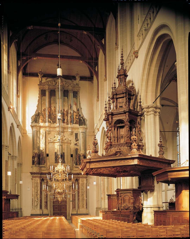 Foto: Erik en Petra Hesmerg. Het middenschip van de kansel en het hoofdorgel