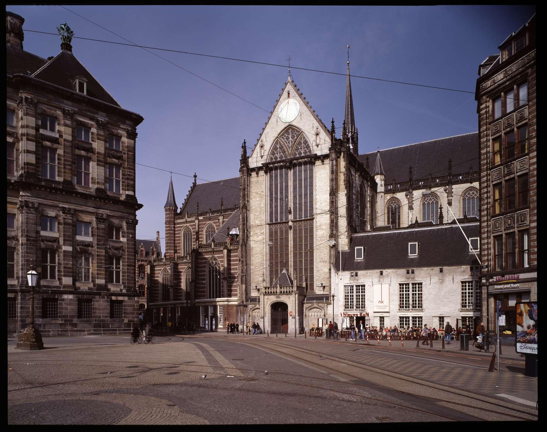 Foto: Erik en Petra Hesmerg. Het exterieur van De Nieuwe Kerk