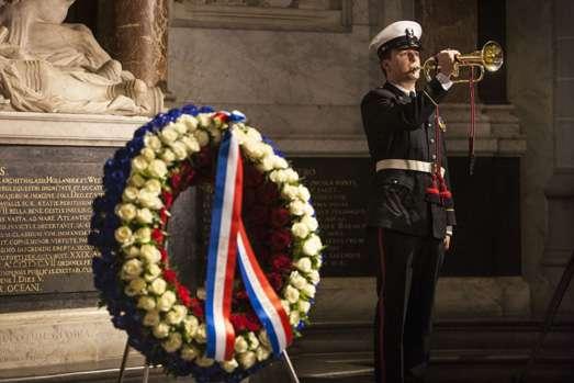 Koninklijke Marine herdenkt Admiraal De Ruyter in De Nieuwe Kerk